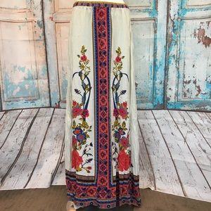 FLYING TOMATO Floral Printed Off-White Maxi Skirt